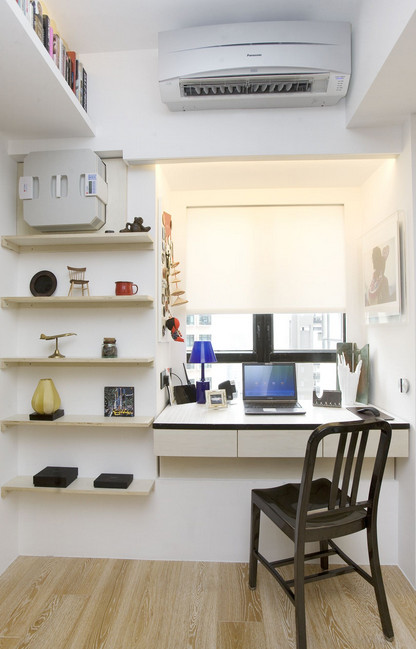 Практичные идеи: стол, объединенный с подоконником...
