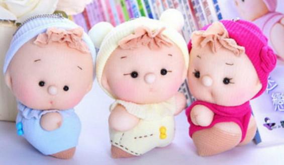 Очаровательные пупсы из капроновых носков... Забавная игрушка за всего за один вечер!