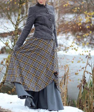 Тёплые юбки миди и макси: 20 женственных образов...