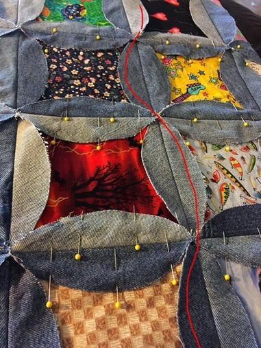 Как сшить одеяло из джинсов. Идеи, советы и мастер класс своими руками