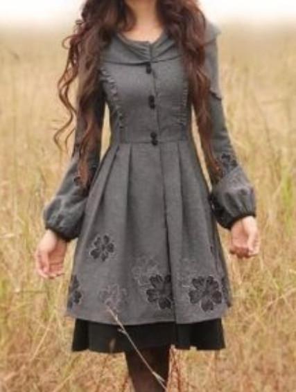 Игра на контрастах: теплое платье с легким кружевом своими руками
