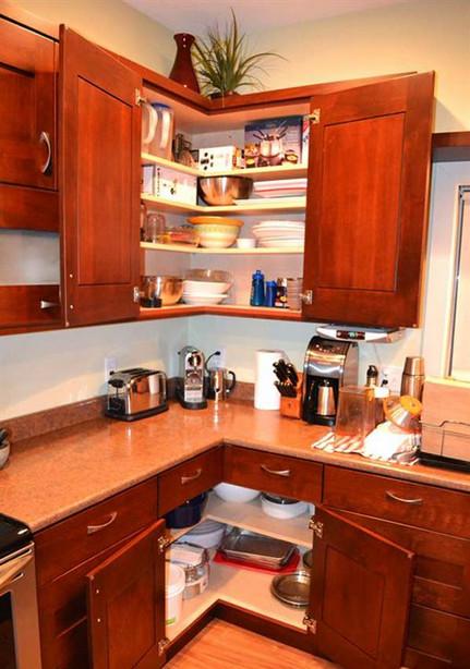 Пустующим углам — нет! Организация пространства на кухне