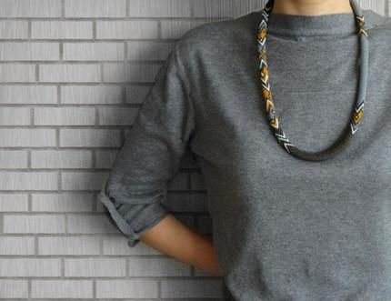 Возьмите верёвку и немного бисера, чтобы создать потрясающее украшение. Идеи, советы и мастер класс своими руками