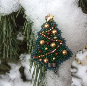 Восхитительные новогодние броши из бисера — кладезь идей и мастер класс для рукодельниц