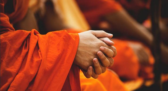 Монахи открывают тайны! Секретное «переплетение пальцев» как панацея от старости...