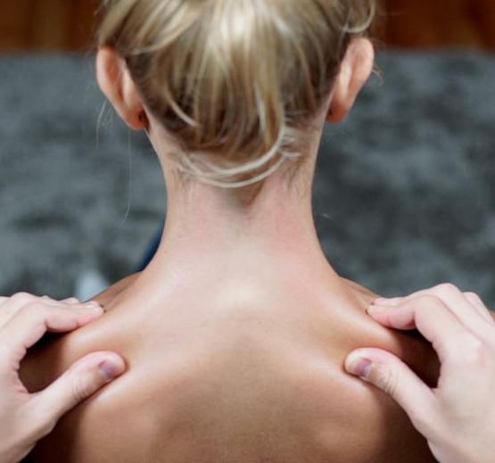 Как сделать идеальный расслабляющий массаж: весь секрет - эти пять движений