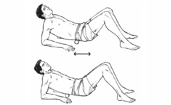 Упражнения с валиком для тех, у кого болит спина. Красота и здоровье в домашних условиях