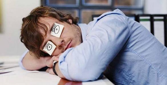 Во сколько нужно ложиться спать, чтобы просыпаться бодрым? Эта таблица — просто находка!