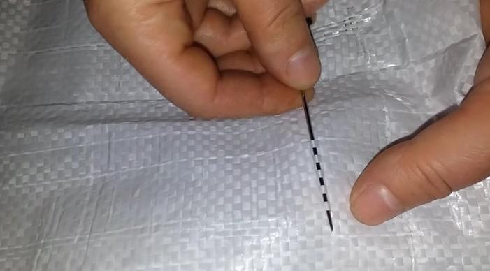 Не выбрасывайте мешки от сахара — с их помощью можно вязать