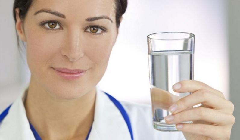Кардиолог объясняет: В какое время пить воду???