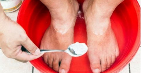 Японский метод очищения и оздоровления: подержите ноги в этой минеральной смеси и ощутите первые результаты...
