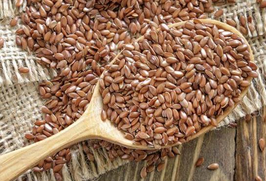Быстрое очищение организма при помощи меда и семян льна