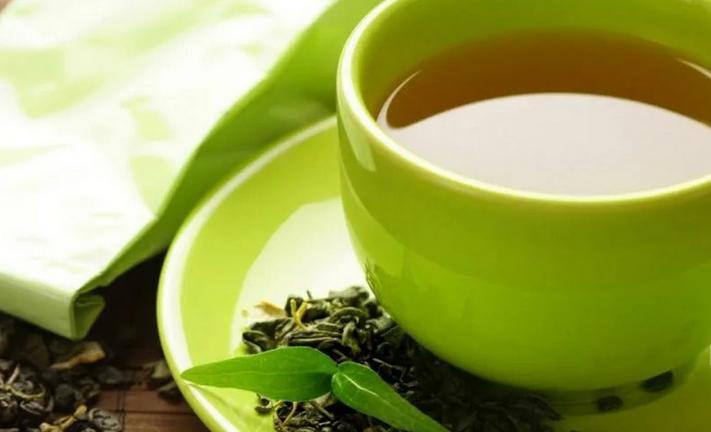 Противовоспалительный чай, который гастроэнтеролог пьет каждый день